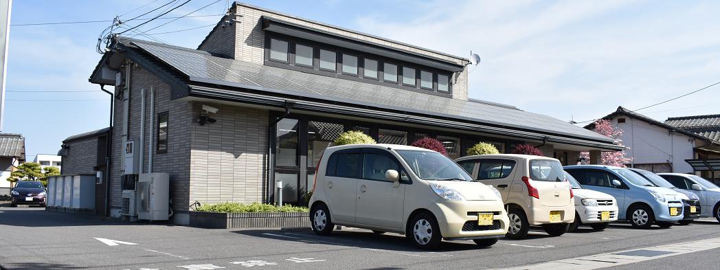香川県丸亀市飯山町鈴木歯科クリニック駐車スペース